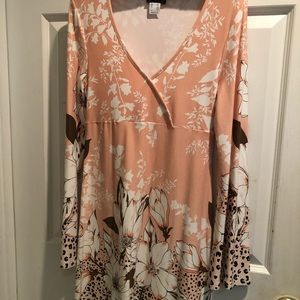 Floral Dress with long sleeves that flare